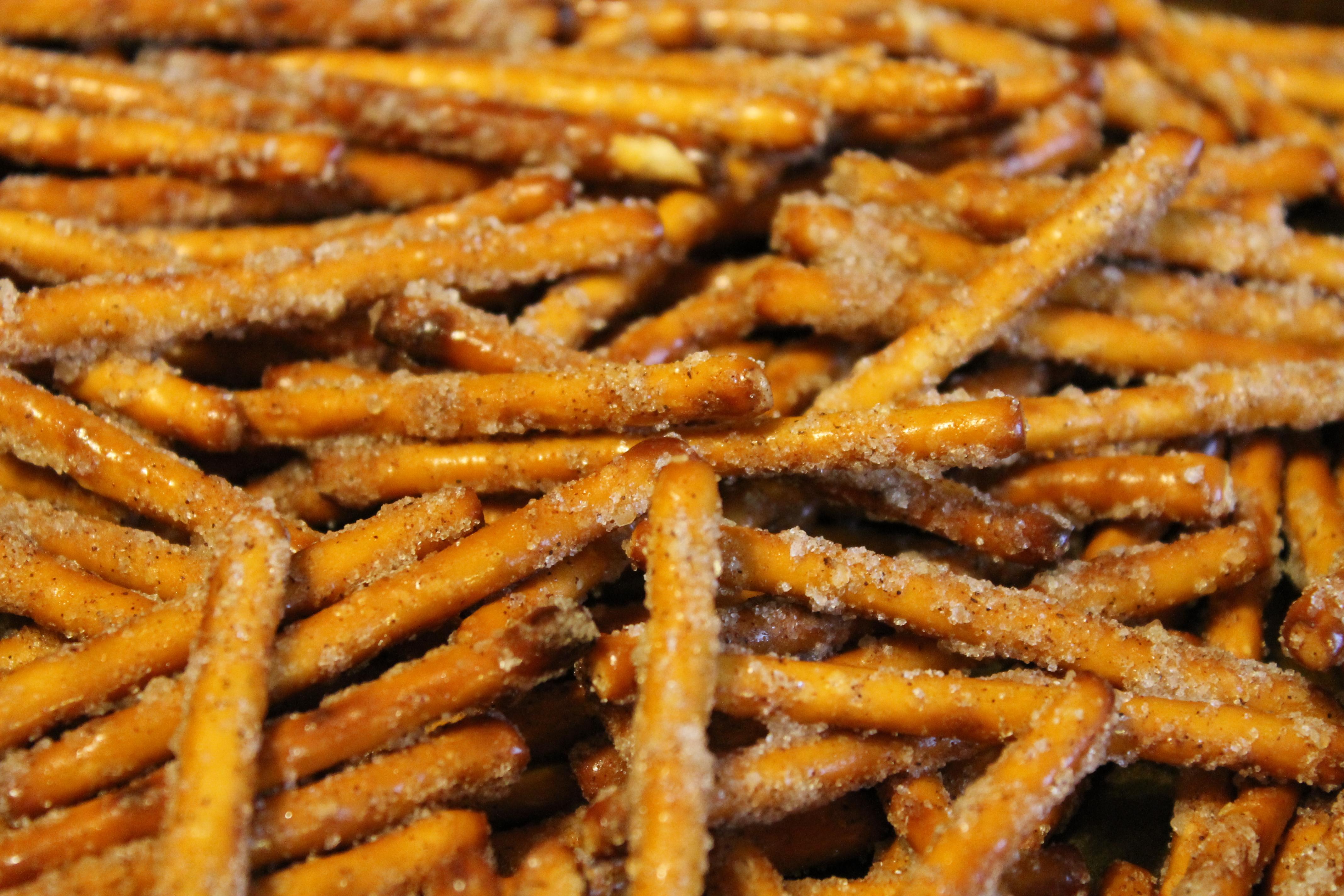 Spicy Pretzels and Cinnamon Sugar Pretzels | Jackatessa's Blog